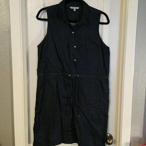 Chambrey sleeveless dress with pockets